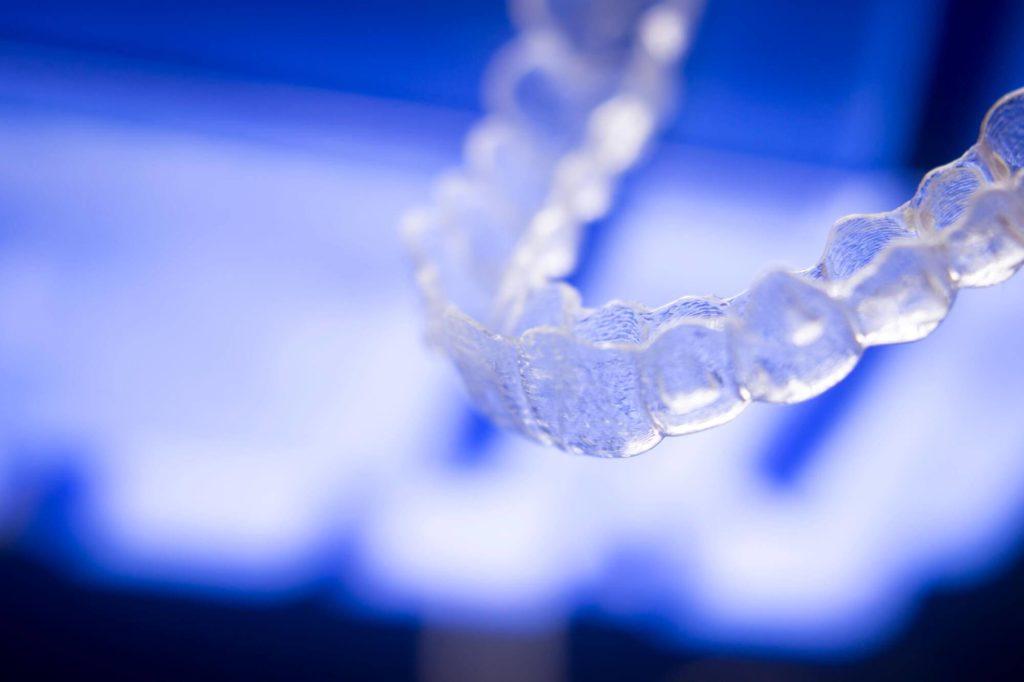 Aparelhos transparentes: conheça seus benefícios durante o tratamento